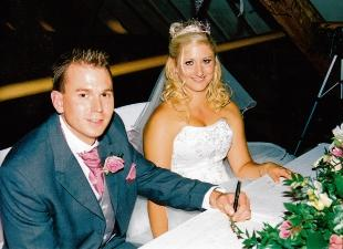 Kayleigh Mussett and Christopher Coe, both of Reymead Close, West Mersea, were married at the Barn Brasserie, Great Tey.