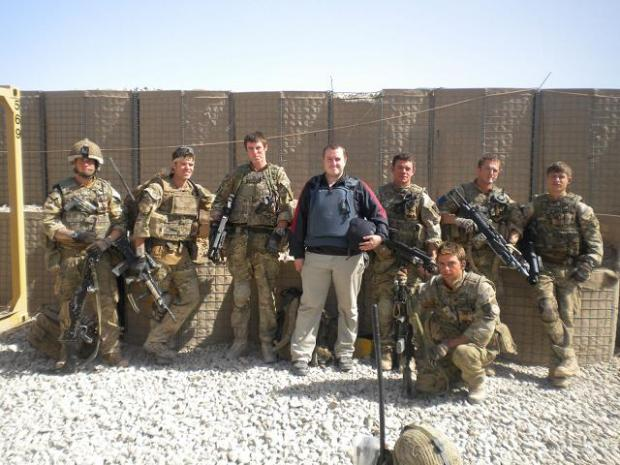 Adam Cornell with 2 Para soldiers