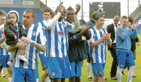 Thank you - Colchester United's players show their appreciation to their supporters following their final home game of the season. Picture: STEVE BRADING (CO56242-53)