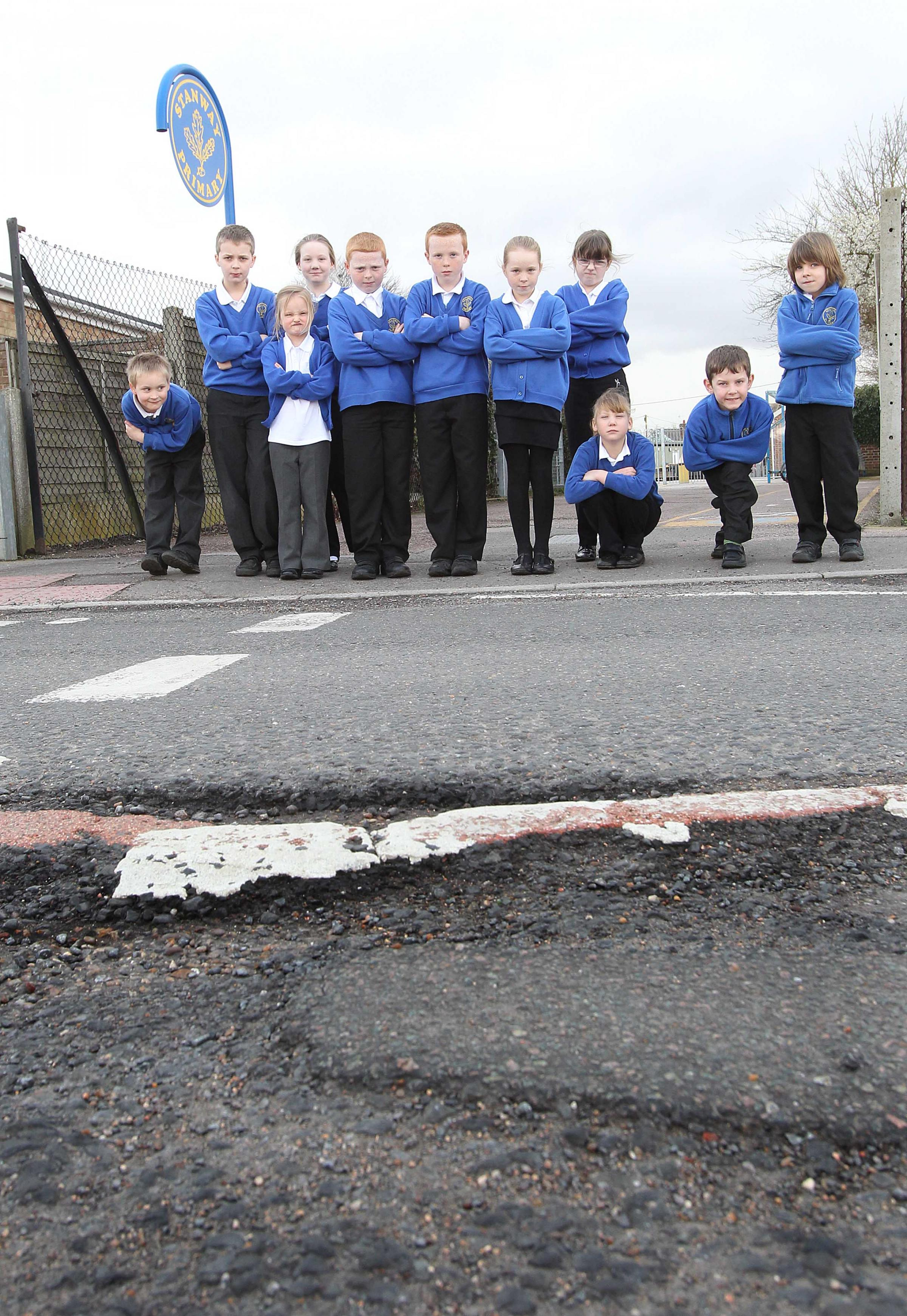 Headteacher backs pothole action call