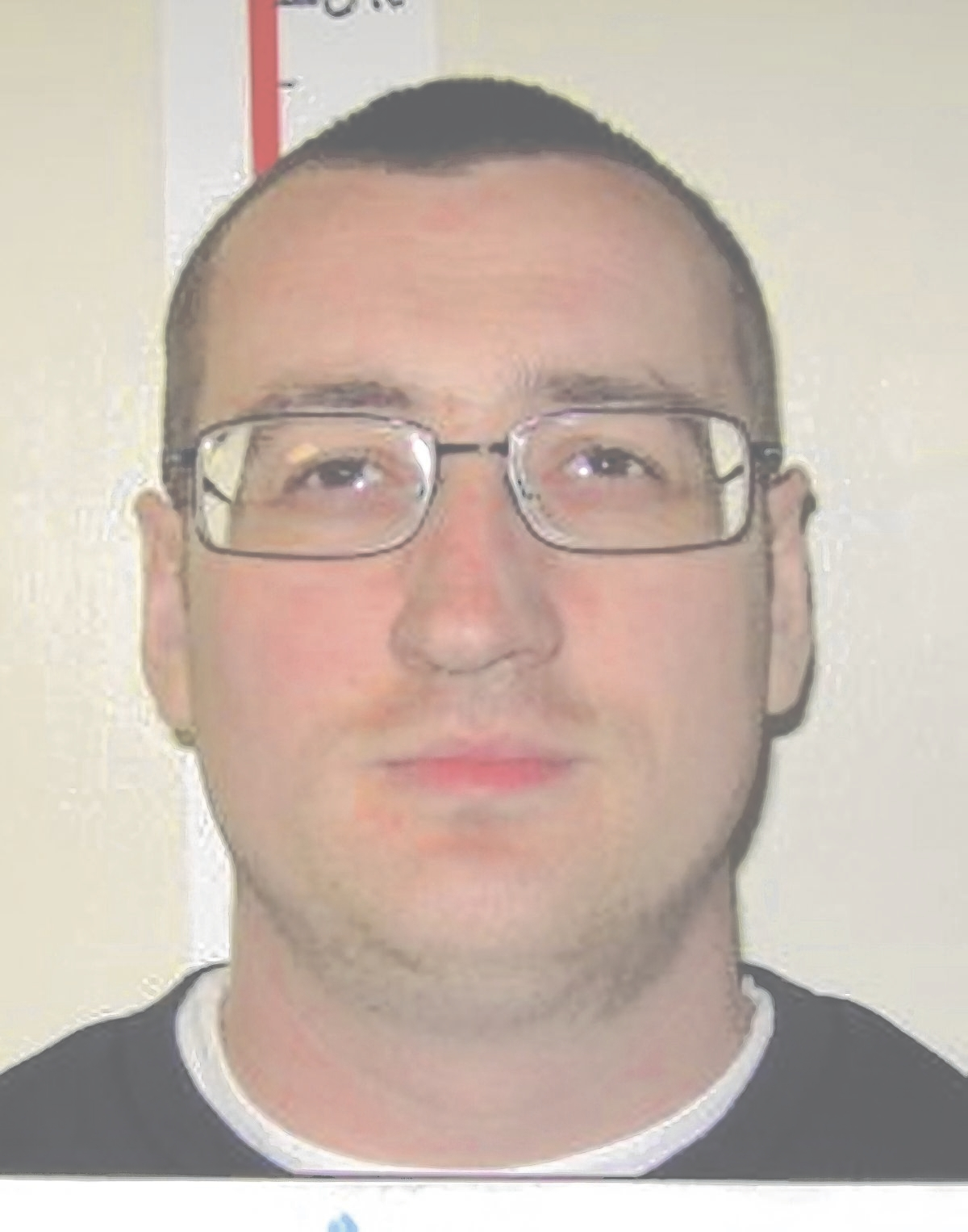 Police search for prison absconder in Clacton